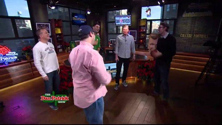 McLovin gives Marcus Mariota tips on taking snaps