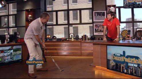 Bubba Watson evaluates Danettes' golf swings
